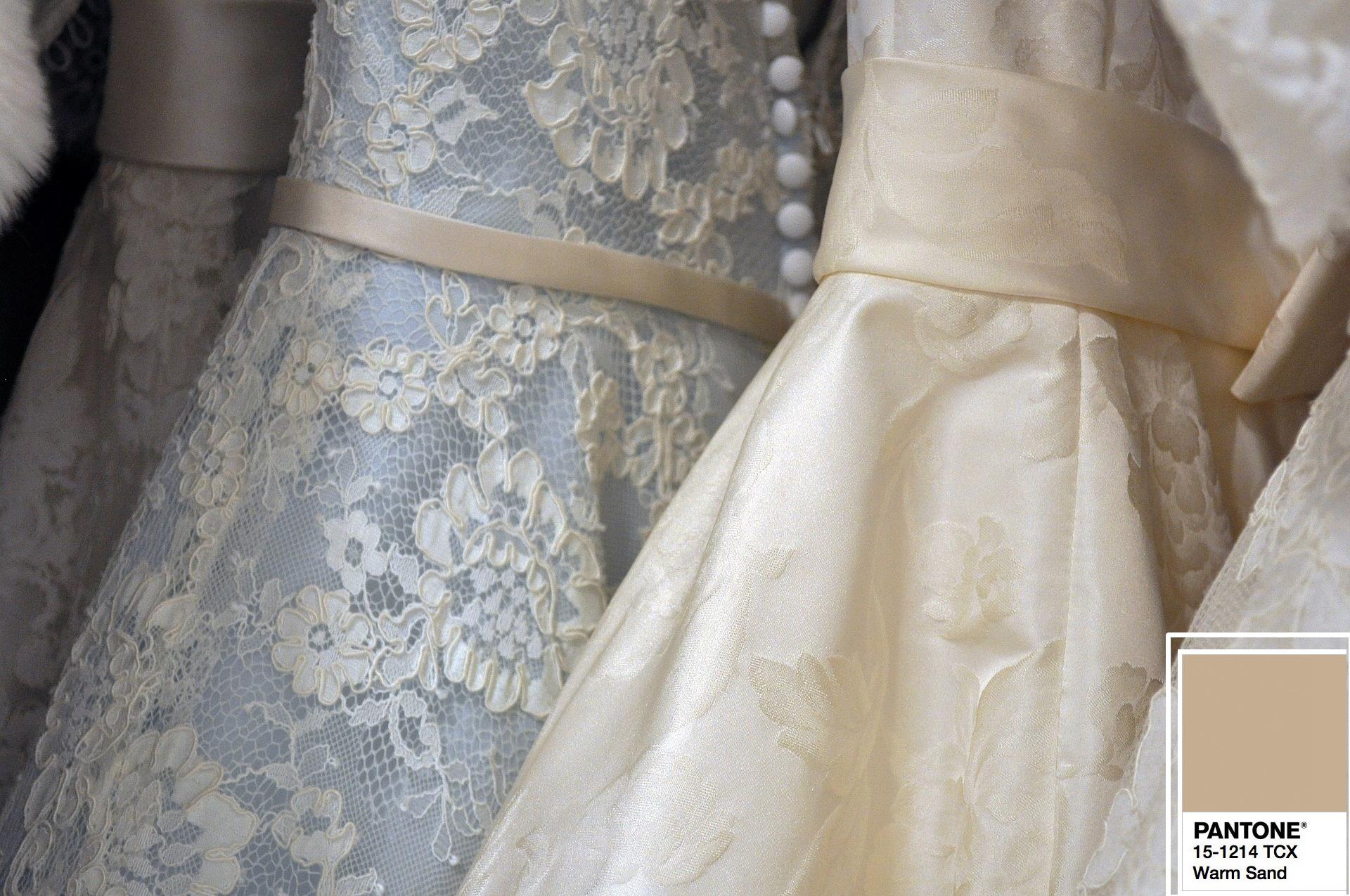 Idei pentru nunta in culorile Pantone 2018